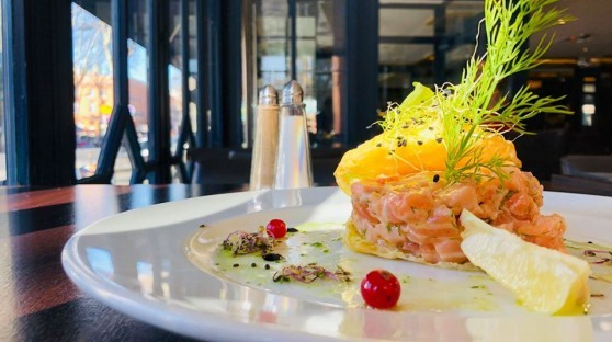 <br /> <b>Notice</b>:  Undefined property: stdClass::$nom in <b>/homepages/23/d801675827/htdocs/hop-plats/restaurant.php</b> on line <b>141</b><br />